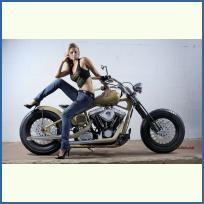 Девојки и Мотори