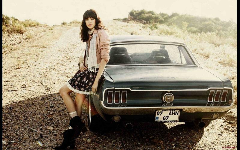 Девојки и Автомобили